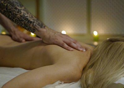Holistinis masažas